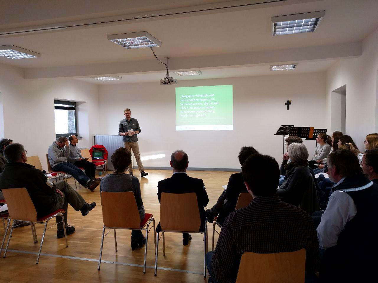 """Pressetermin zum Projekt """"Schöpfung erfahren - Interreligiöse Umweltbildung im Nationalpark Eifel"""""""